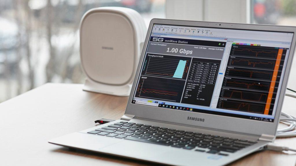 5G-Router-CPE von Samsung bei einem Test von O2 mit Fixed Wireless Access im 26GHz Bereich